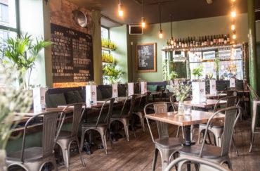 Petit Cafe Du Coin